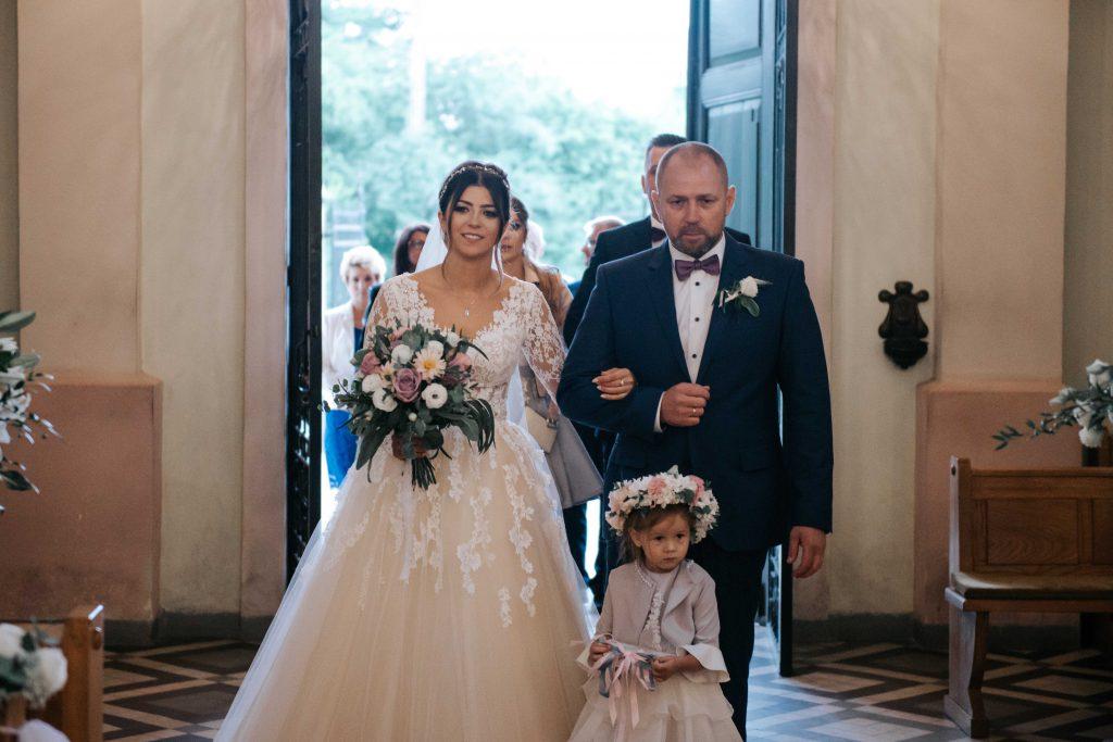 koronkowa suknia ślubna, złotopolska dolina ślub